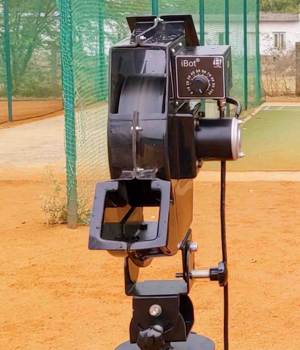 Leverage iBot - Cricket Bowling Machines